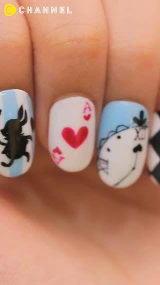 女子に人気のあのキャラクターをモチーフにしたネイルアート♡たまには指先をPOPにあしらってみるのはいかが?♪