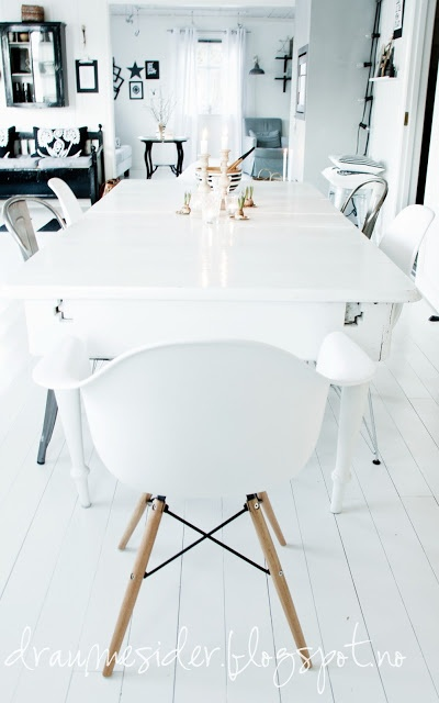 ♡ black and white dining