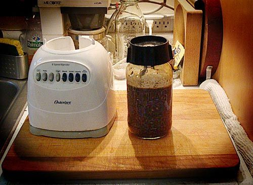 Make a Blender out of a Mason Jar by apartmenttherapy: No need for another appliance for making all those yummy smoothies. #Mason_Jar #Blender #apartmenttherapy