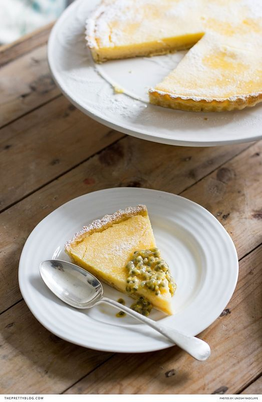 Easy lemon tart recipe, perfect for summer | Photography by Lindsays Feast