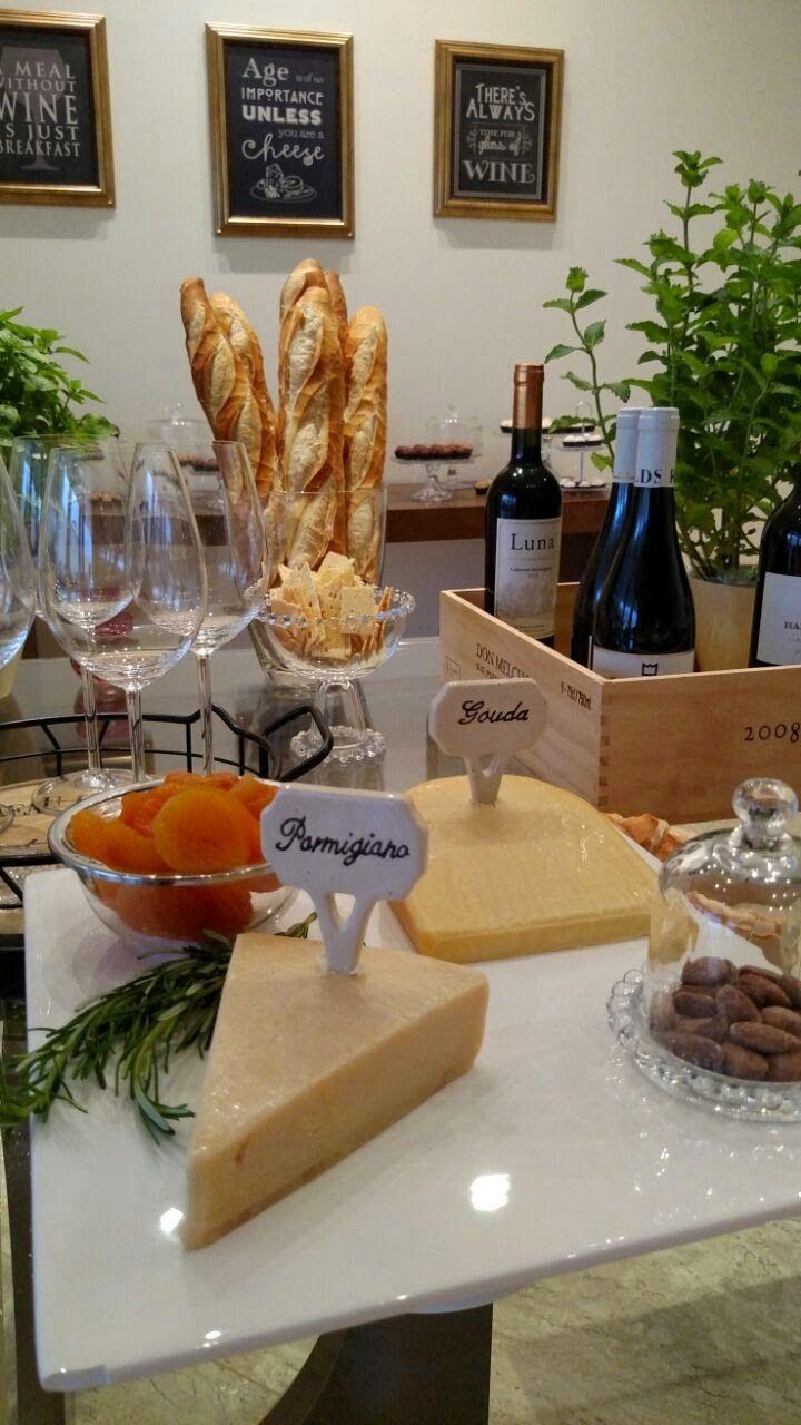 Decoração_Noite_queijos_vinhos_mesa_6