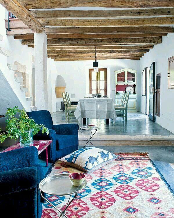 Hermoso estilo relajado, divino el piso, y el cemento alisado coloreado.