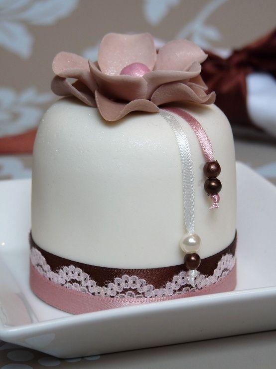 Coursage Mini Cake