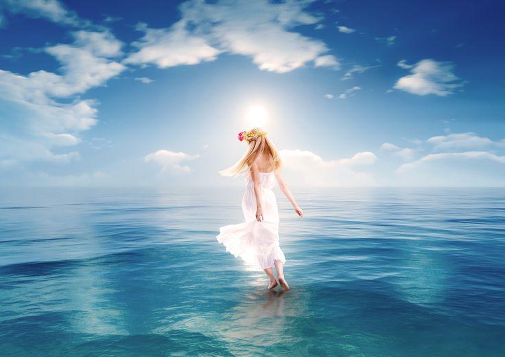 幻想的な海の上の少女 生徒さんへのプレゼント