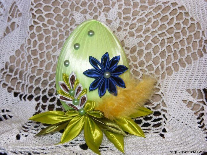 Шелковые пасхальные яйца с цветочками канзаши (24) (700x525, 377Kb)
