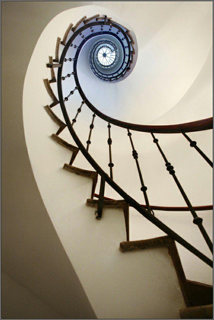 la suite de Fibonacci escalier vertigo etroit