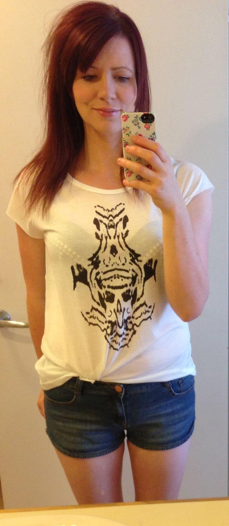 21/9/13 Willow tshirt, Target jean shorts, minimal makeup. Off duty weekend.