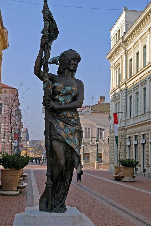 Szeged statue