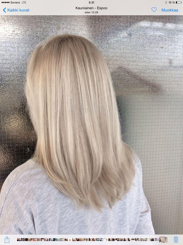 Ashy platinblond hair - viileän platinan vaaleat hiukset #highlights #olaplex #blond #ashyblond #platinblond #olaplex