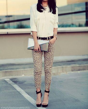 leopard print pants.: Shoes, Chiffon Blouses, Leopards Jeans, Leopards Prints Pants, Leopards Pants, Outfit, Animal Prints, Cheetahs Prints, Women Jeans