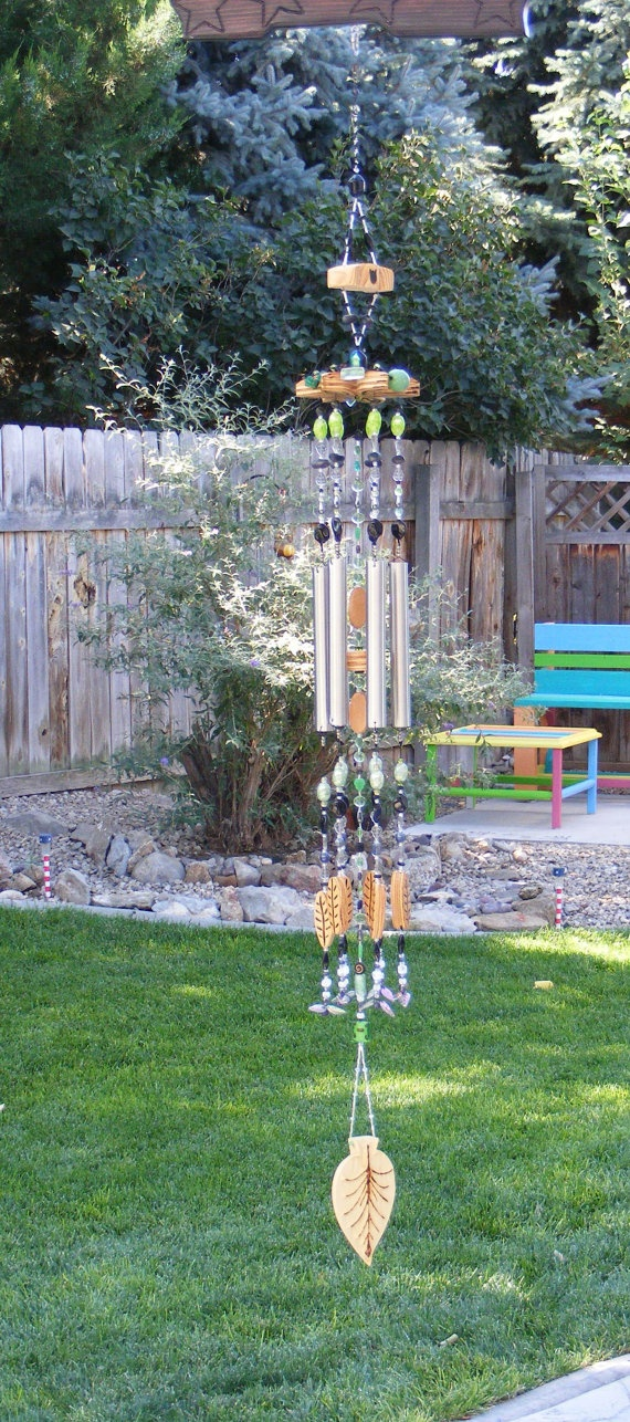 I luv to hear Windchimes blowing in the breeze....  = )