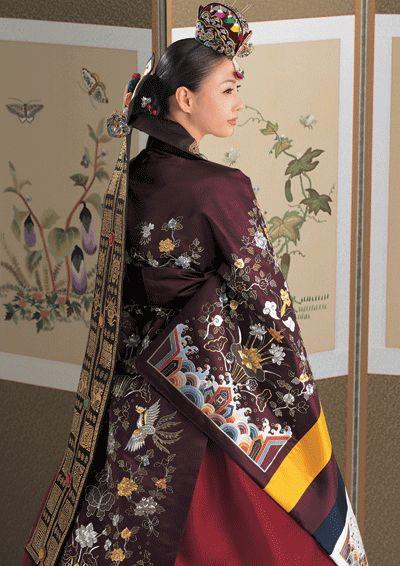 Korean wedding traditional dress (hanbok)