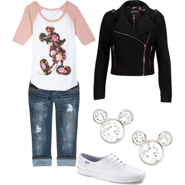 8. This outfit would be perfect for Disney Park-hopping #momselect #NewFantasyland