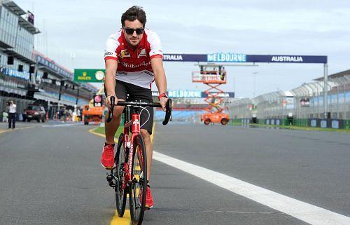 Fernando Alonso se alía con Novo para su equipo ciclista