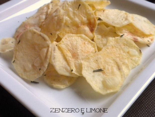 microwave no oil home made potato chips  genius, now I just need the microwave.