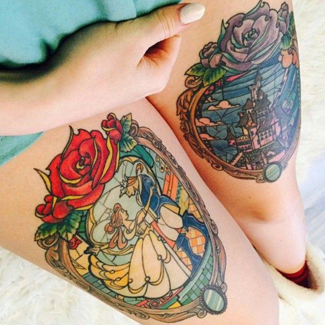 Tatouage la belle et la bête dans des cadres avec des roses