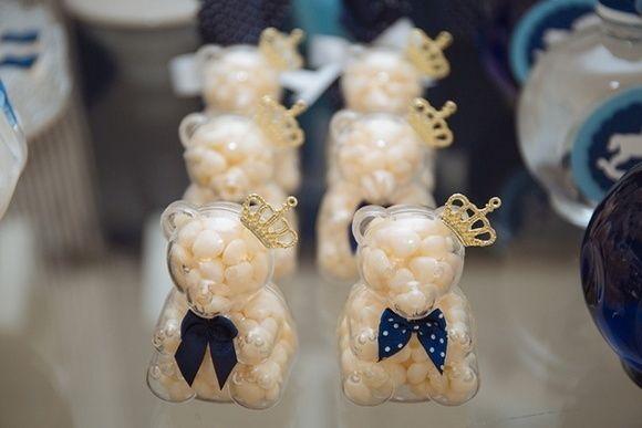 Ursinho de Acrílico como recipientes de balas ou mini-sabonetes. Ótimo para decorar e mesa e ser também a lembrancinha de um chá de bebê, visita de maternidade ou aniversário de um pequeno.