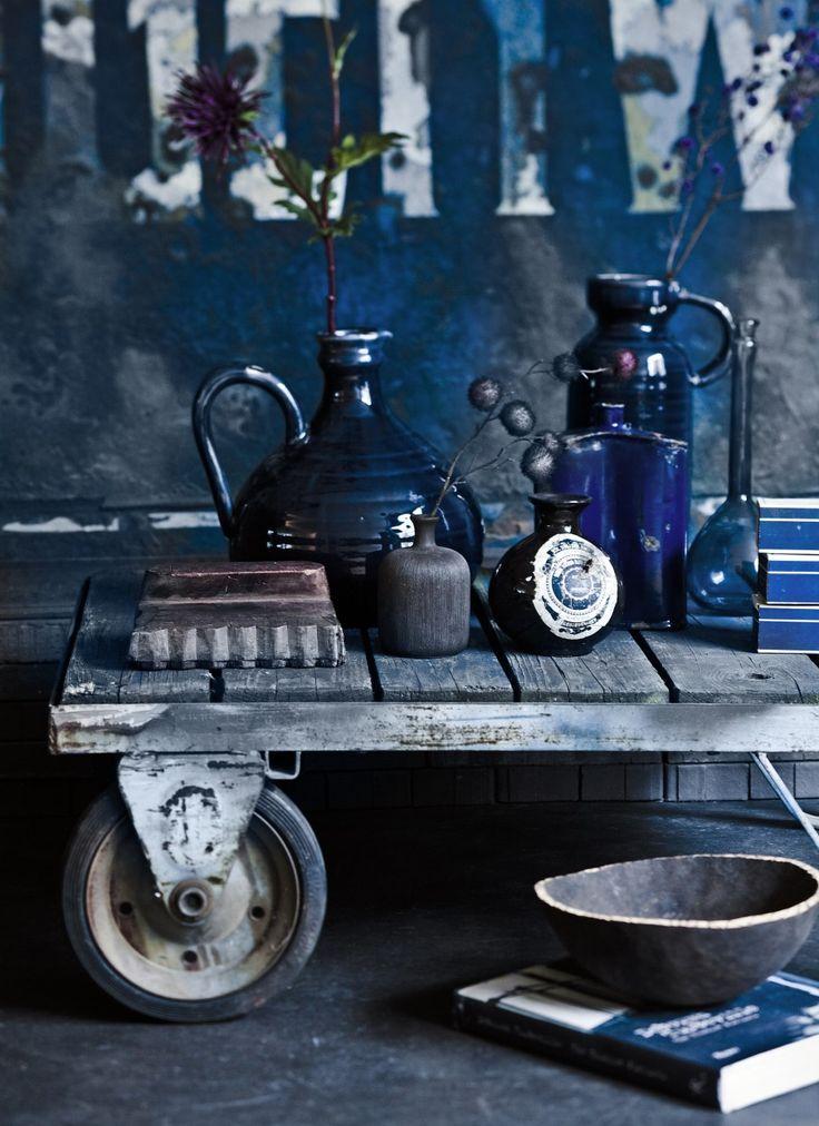 Styling Cleo Scheulderman   Photographer Jeroen van der Spek   vtwonen #vtwonen #magazine #interior #colour #inspiration #blue #vase #wood #decoration