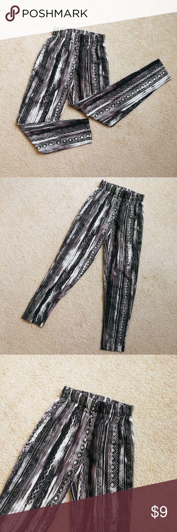 Ambiance Apparel Women's Tribal Print Pants Ambiance Apparel Women's Tribal Print Pants Size:  S Pants