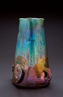 Vase en grès à couverte irisée, Clément Massier, vers 1900, Vallauris, France