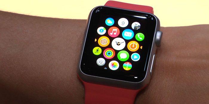 Apenas un par de días después de saber que el lanzamiento del Apple Watch será en abril, el propio CEO de la compañía, Tim Cook, desvela al portal especializado en tecnología 9to5Mac algunas funcionalidades de este nuevo dispositivo, que marcará la diferencia con generaciones anteriores.  http://iphone-6.es/apple-watch-abrira-habitacion-hotel-rg/  #Applewatch