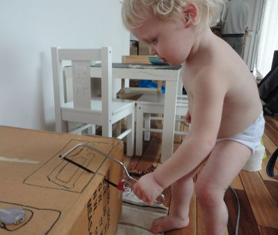 Little Red Farm: DIY toddler workbench
