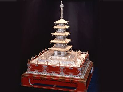 1926 – Five-Tier Pearl Pagoda  One of the first Mikimoto works of art debuted at the World's Fair in Philadelphia, where the one of the most popular attractions was an exquisite five-tiered Pagoda, which was modelled after Horyuji Temple in Japan and covered in some 12,760 Mikimoto cultured pearls.