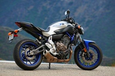 2016 Yamaha FZ-09 and 2016 Yamaha FZ-07 Released
