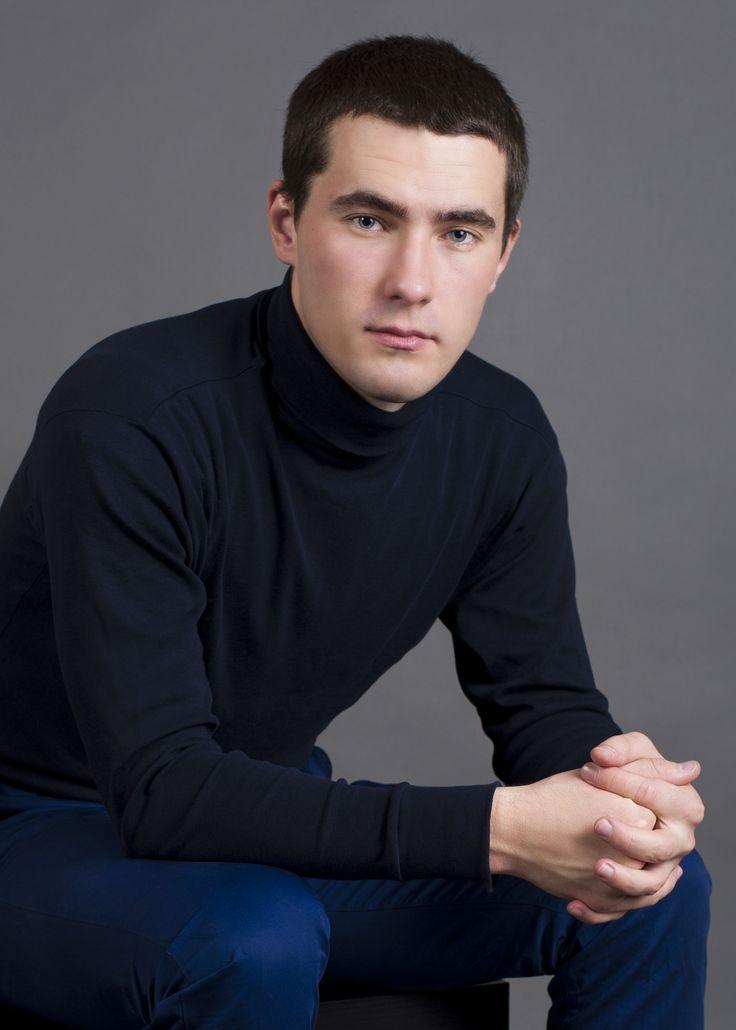 Алексей Викснин, психолог-консультант(консультирование взрослых и детей). По рекомендации, которую предоставил Дмитрий Зотов, ему присвоен статус Свободного участия.