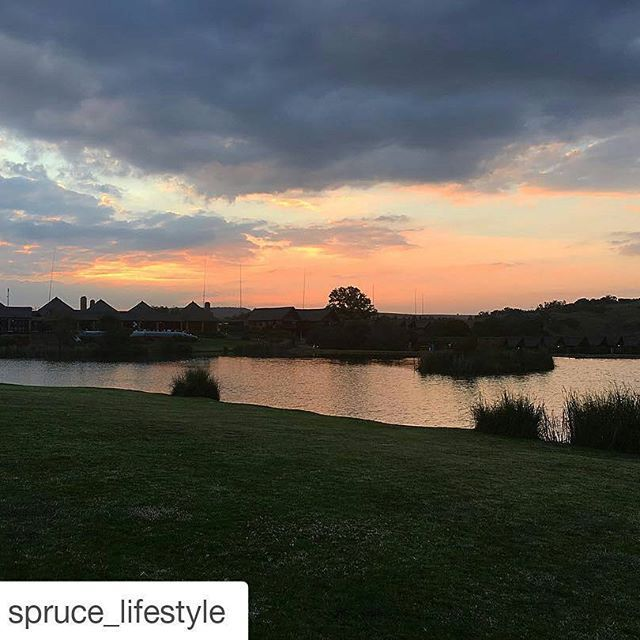 The beautiful #kloofzichtlodgeandspa captured by one of our stayover guests #nofilter #beautifulsunset #peaceful #relaxingweekend #peachsky #breakaway. Thanks for sharing this beautiful picture of your stay @spruce_lifestyle 💛  #Repost @spruce_lifestyle with @repostapp ・・・ #nofilter at this most exquisite setting! A night away in the cradle at Kloofzicht Lodge to end a good day with a beautiful sunset 💫 @guvonhotelsandspas #sunset #beautiful #nature #outdoor #troutfarm #friday #weekend…