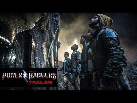 Sabanin Power Rangers -elokuva seuraa viittä tavallista lukiolaista. Heidän elämänsä muuttuu täysin, kun heille selviää, että he pystyvät muuntautumaan voimakkaiksi supersankareiksi. Avaruusolennot uhkaavat tuhota niin heidän kotikylänsä, kuin koko maailmankin. Kohtalon valitsemat sankarimme saavat pian selville, että vain he voivat pelastaa maailman. Onnistuakseen heidän täytyy päästä yli keskinäisistä ongelmistaan ja lyöttäytyä yhteen Power Rangers -ryhmäksi, ennen kuin on liian myöhäistä.
