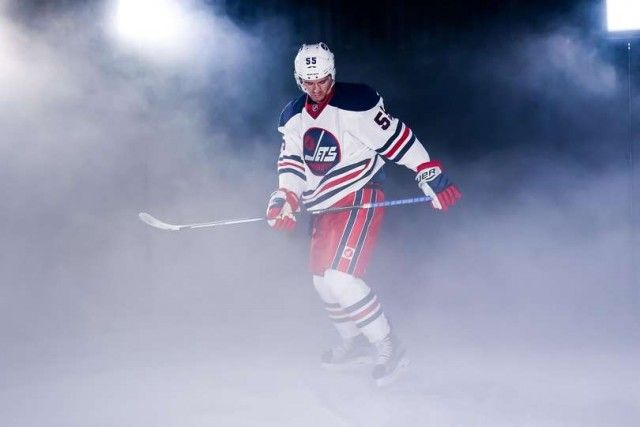 Winnipeg Jets Heritage Classic jersey (via Winnipeg Jets)