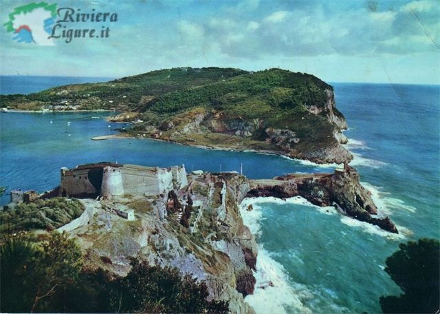 Veduta di Portovenere con l'Isola Palmaria