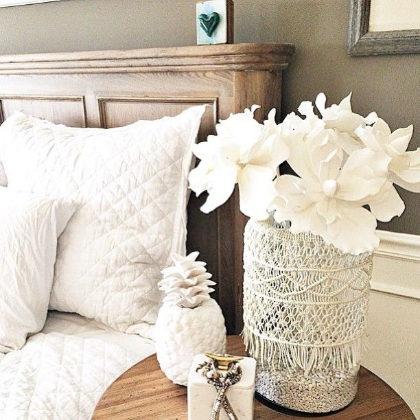 Loving how @bmosiman used our Macrame Vase (#shoplinkinbio) on her bedside table. Looks just perfect next to our Linen Diamond Bedding, don't you think? #bedroomdreams #riseandshine #mypotterybarn