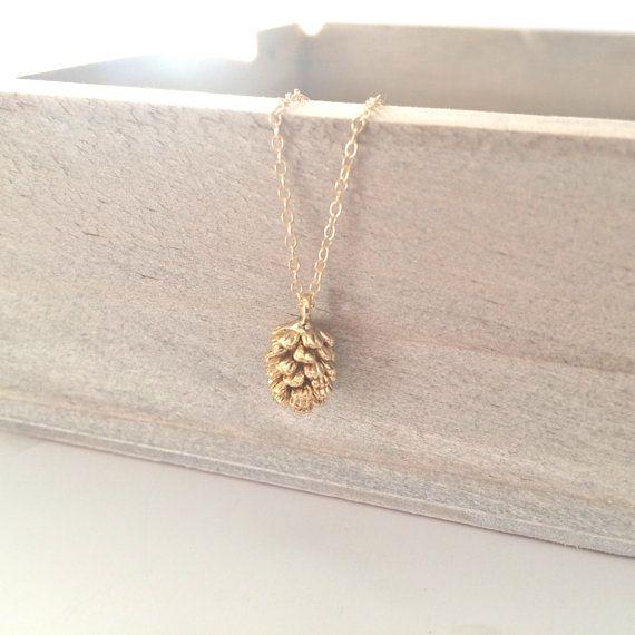 Goldene Halskette Pine Cone Halskette zierliche von AvaHopeDesigns