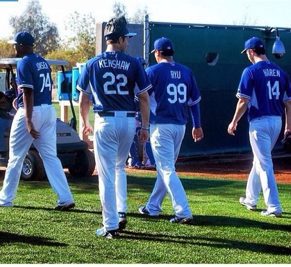 Dodgers Blue Heaven: Dodgers Notes from Spring Training: Pitchers & Catchers Workout #1