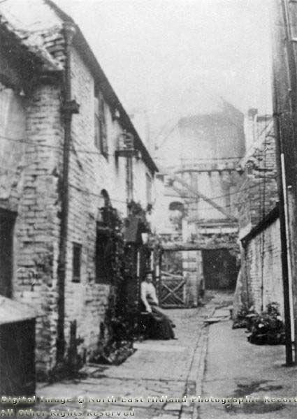 Leg of Mutton Yard, off Millstone Lane, Nottingham, 1902