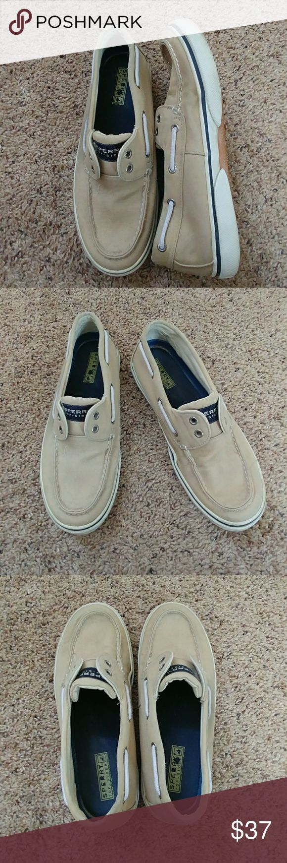 SALE Mens Sperry Topsiders GUC khaki colored canvas with navy and white accents Topsiders size 9... Goes perfectly with a casual sweater or tee. Sperry Shoes Loafers & Slip-Ons