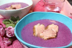 Low Carb Rezepte von Happy Carb: Glühwein-Rotkohlsuppe mit Entenbrust - Da wird die Ente im Suppenteller beschwipst.