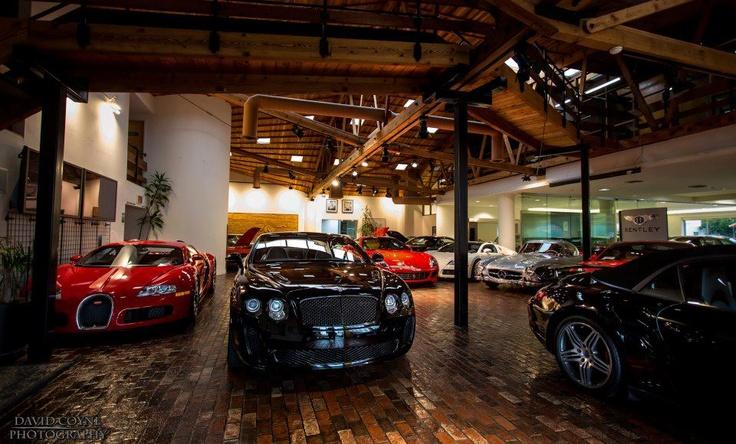 126 best cool garages images on pinterest car garage carriage house and dream garage. Black Bedroom Furniture Sets. Home Design Ideas
