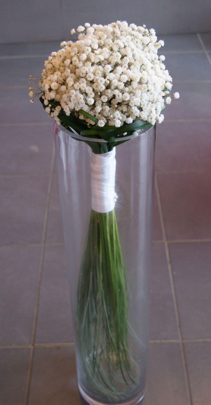 Bouquet de Mariée avec gypsophile et beargrass.
