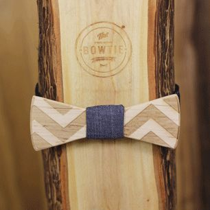 [Nœud papillon] http://www.lafianceedupanda.com/2014/12/17/noeud-papillon-en-bois-two-guys-bow-ties-marie/