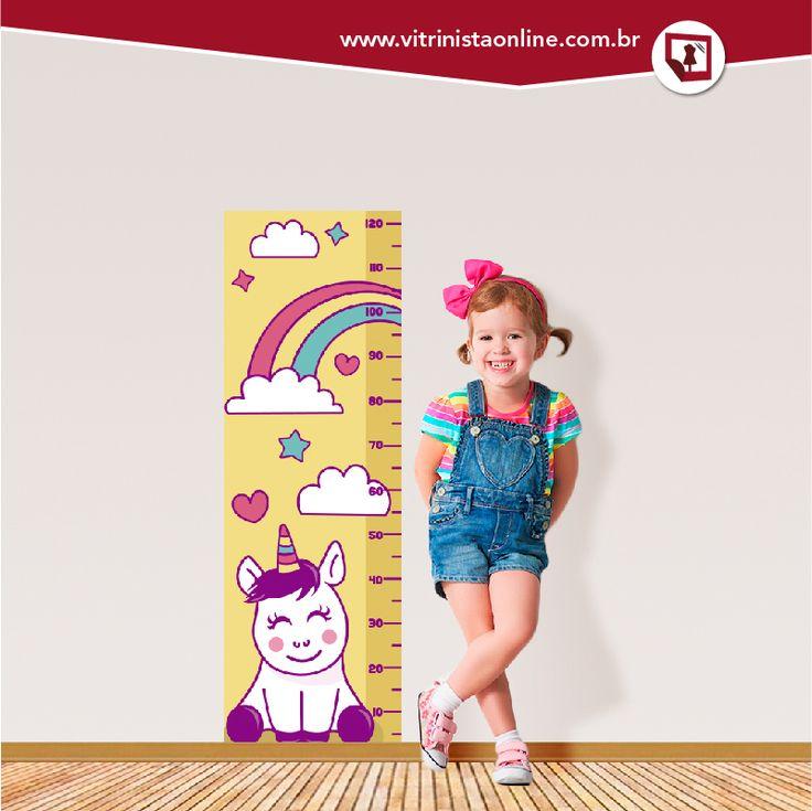 As meninas (e as mamães) que amam fofurices vão amar a nossa RÉGUA DE CRESCIMENTO INFANTIL UNICÓRNIO. Você pode aplicá-lo na parede, no espelho ou no vidro.