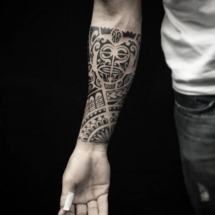 Forearm Tattoo Ideas Are Hugely Popular And Having An Image On This Part Of The Body Is A Real Classic Many Men Who Wo In 2020 Maori Tattoo Polynesian Tattoo Tattoos