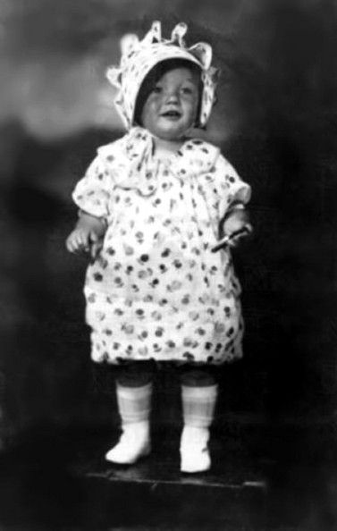 Celebs before they were famous. Another adorable baby pic of Marilyn Monroe.
