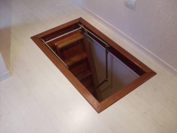 Escada para sótão articulada