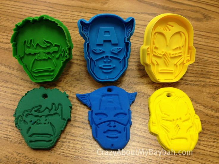 Avengers Crafts 2 1024x768 Avengers Crafts for Kids | Avengers Cookie Cutters