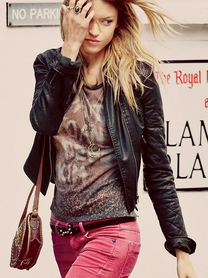 Free peopleBlack Leather Jackets, Band Shirts, Studs Belts, Free People, Pink Corduroy, Bohemian Fashion Style, Pink Jeans, Colors Denim, Crosses Studs