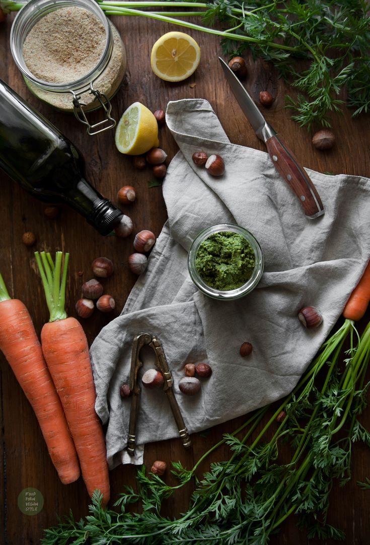 Carrot greens (tops) pesto with walnuts (vegan) / Wegańskie pesto z natki marchewki i orzechów laskowych