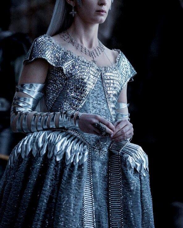 Queen Sennehilda // @jordeniajones